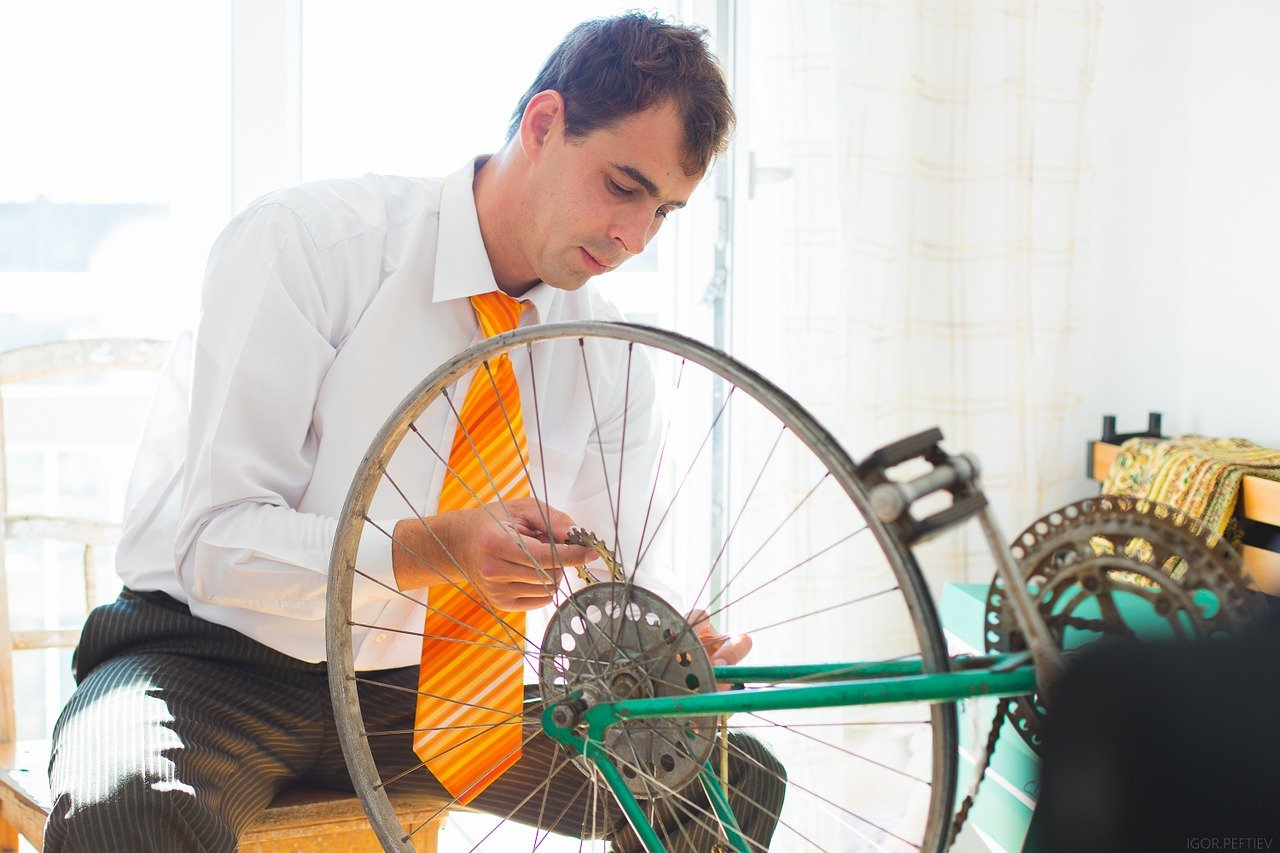 How to Get The Tape Off Your Bike